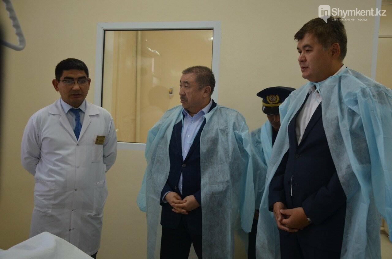 В ходе поездки министры посетили центральную больницу Туркестанской области, фото-1