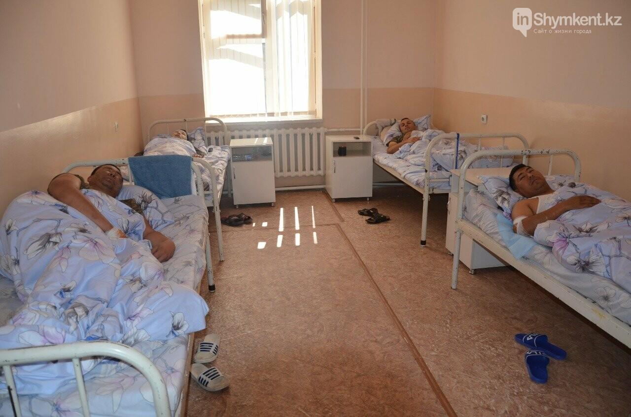 В ходе поездки министры посетили центральную больницу Туркестанской области, фото-2