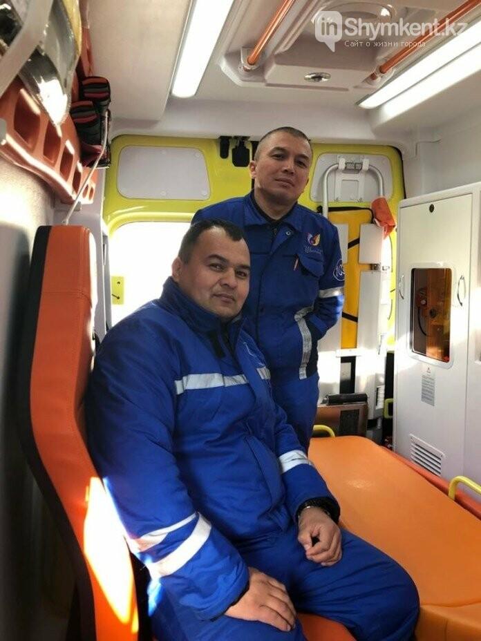 В Шымкенте медики скорой помощи спасли двух новорождённых, фото-1