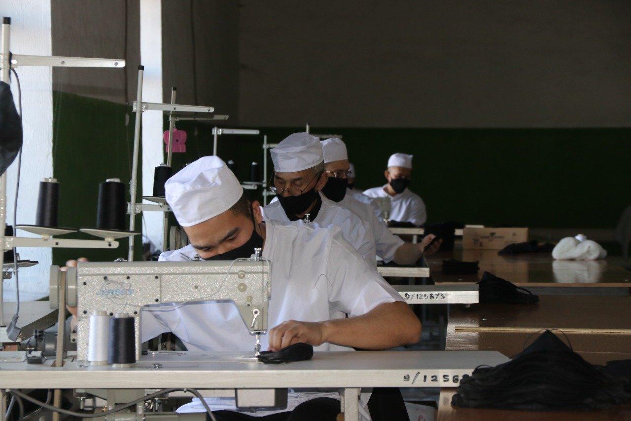 По 50 тысяч масок в сутки будут шить казахстанские заключённые, фото-1