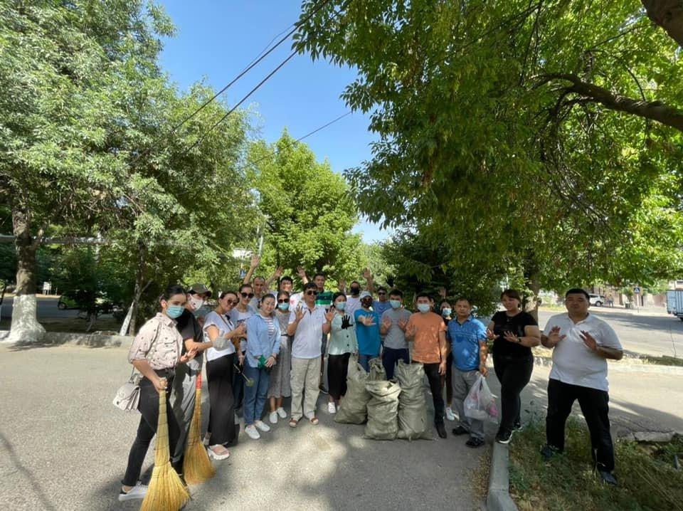 Тысячи шымкентцев приняли участие в общегородском субботнике, фото-5